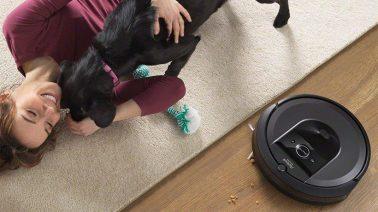 robot hút bụi Roomba i7 và gia đình nuôi thú cưng